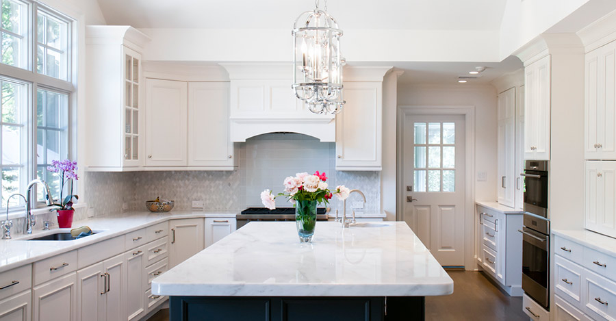 Elegant long island architecture and interior design for Elegant residences kitchens